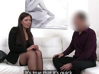 Amateur, Arsch, Blowjob, Britische, Brünette, Beim Casting, Couch, Niedlich, Doggystyle, Masturbation,